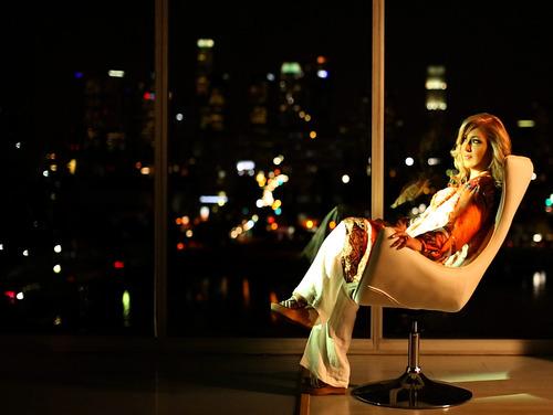http://zibasetareh-2013.persiangig.com/Blog/Ba-To/Leila%20Forouhar%20-%20Ba%20Tou.jpg